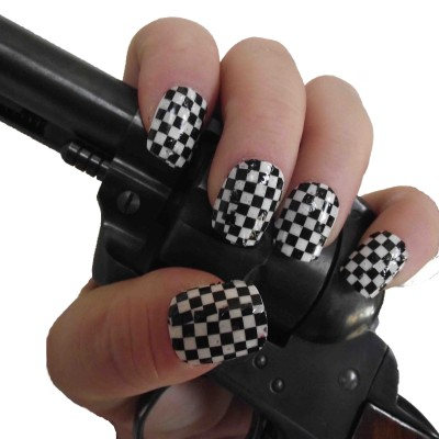 checker full nail