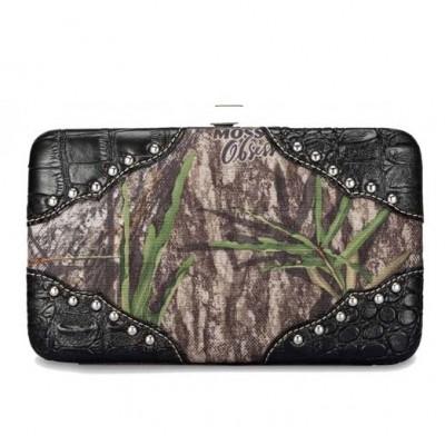 camo-wallet